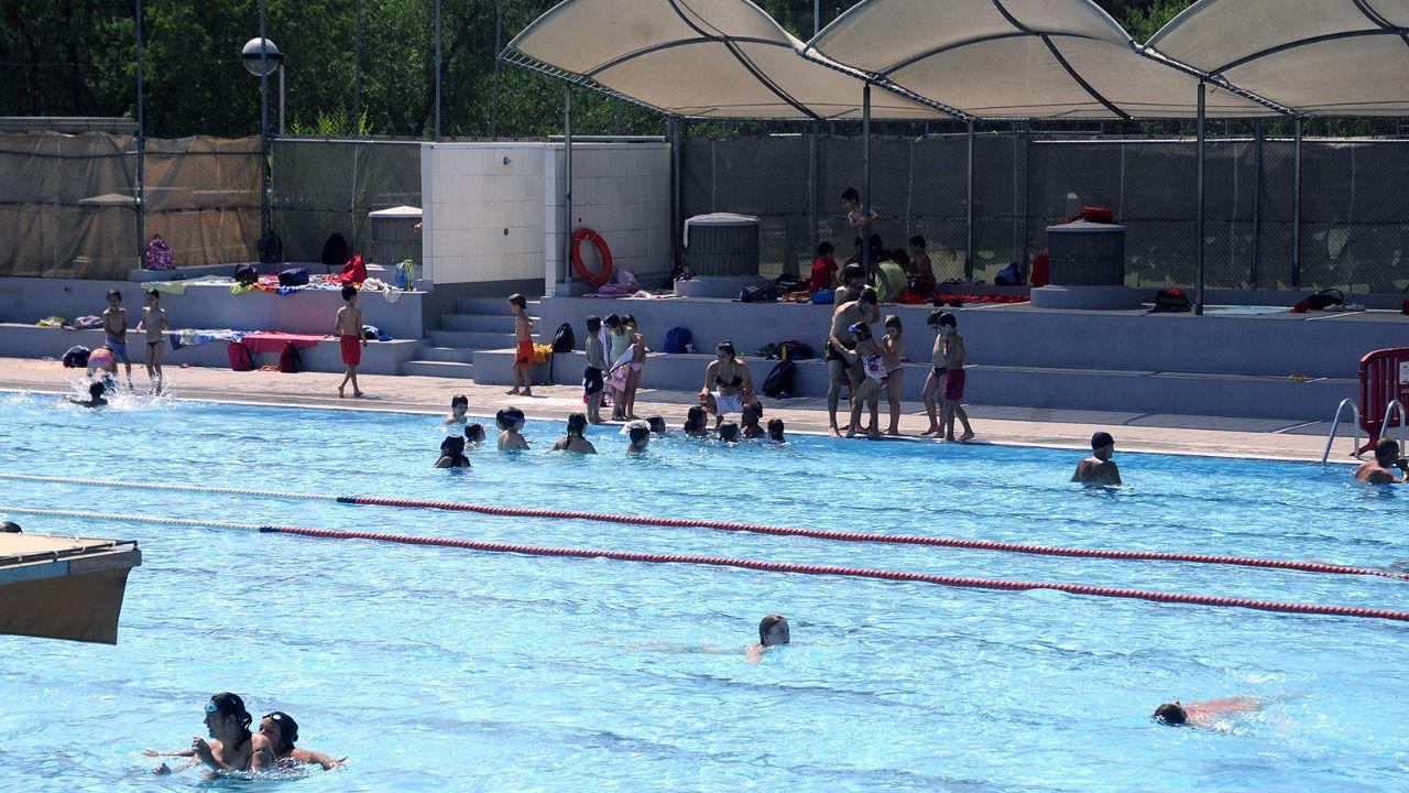 Las piscinas municipales de madrid abren temporada for Madrid piscinas municipales