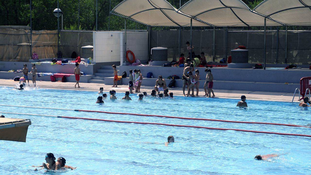 Las piscinas municipales de madrid abren temporada for Piscinas climatizadas madrid