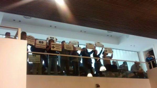 Trabajadores de Leganés pitan contra la