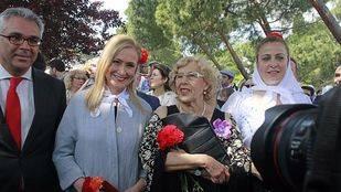 Cristina Cifuentes y Manuela Carmena presiden la misa.