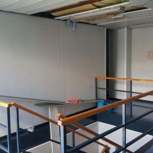Ciudadanos denuncia graves desperfectos en las unidades prefabricadas de Policía Municipal