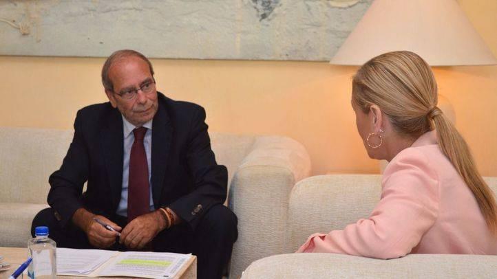 Reunión de Cristina Cifuentes con el alcalde de Fuenlabrada, Manuel Robles. (Archivo)