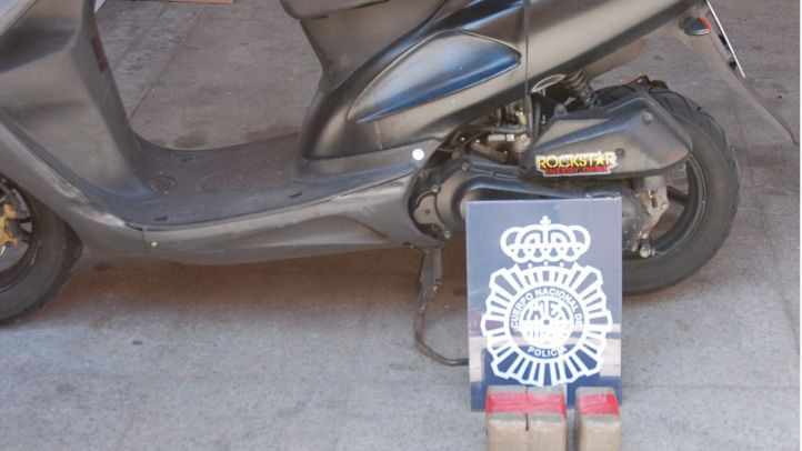 Detienen a dos individuos en Hortaleza tras una persecución en moto