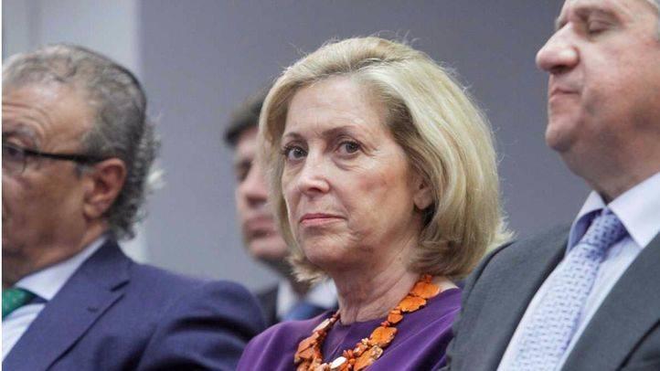 Concepción Dancausa, delegada del gobierno en Madrid,durante el acto de Cristina Cifuentes en la Agencia EFE. (Archivo)