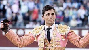 Heroico y torerazo Paco Ureña, que corta una oreja de gran peso y conquista Las Ventas