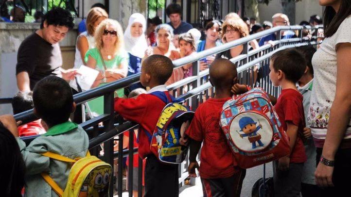 Ni�os a la salida del colegio. (Archivo)