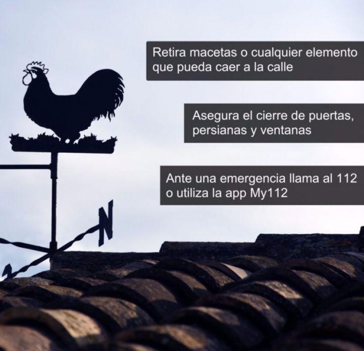 El 112 registra un centenar de incidencias por el fuerte viento