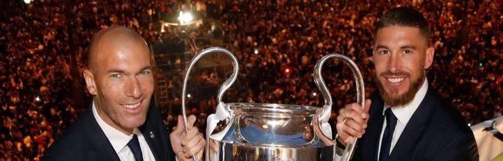 El Real Madrid visita la Comunidad de Madrid despu�s de conquistar la Und�cima en Mil�n