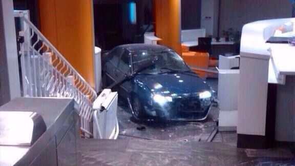 Condenan a 5 años de cárcel al hombre que estrelló su coche en Génova