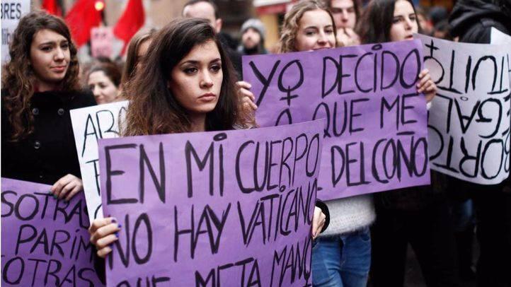 Manifestación contra la reforma de la ley del aborto desde la glorieta de Ruiz Jiménez hasta la plaza del Callao psando por el ministerio de Justicia y convocada por el movimiento feminista de Madrid a la que han asistido miles de personas. (Archivo)