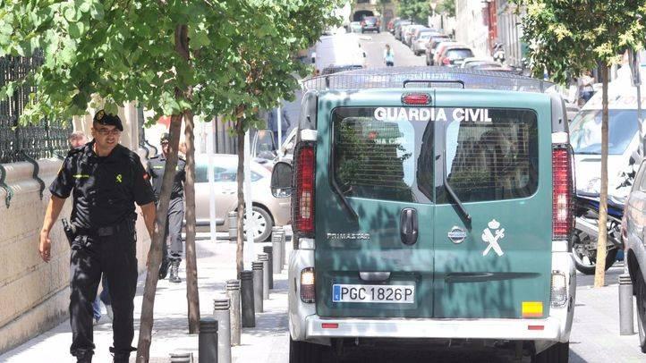 La Guardia Civil se presenta en las oficinas del Santander para pedir datos de cuentas vinculadas a la 'lista Falciani'