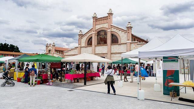 Feria de economía social y solidaria en Matadero Madrid
