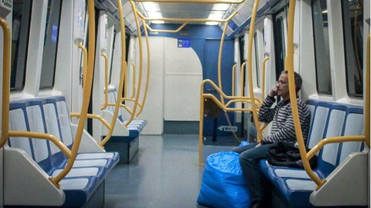 Interior de un vagón de la linea 1 del Metro de Madrid. (Archivo)