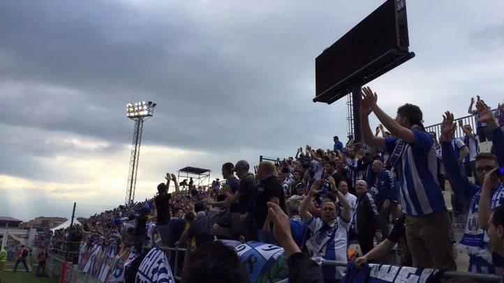 Aficionados blanquiazules celebran el gol
