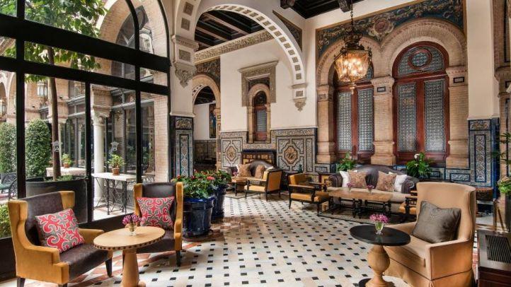 Más facturas 'púnicas': una semana en un hotel de lujo por 27.000 euros y donativos a Unicef