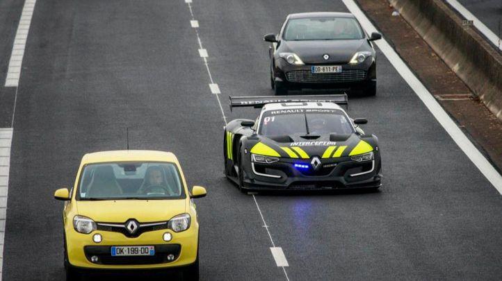 Renault Pasión Tour llega al circuito del Jarama