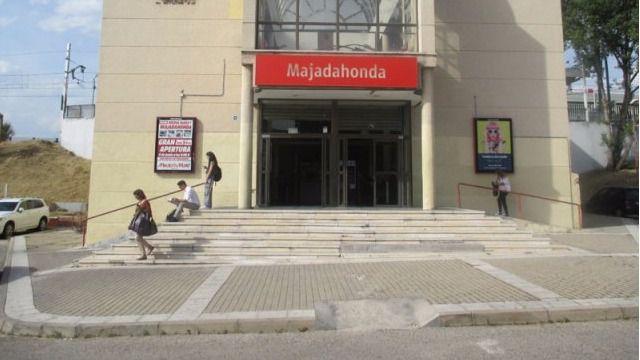 FAMMA se concentra en Majadahonda para exigir que la estación de Renfe Cercanías sea accesible