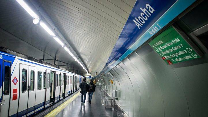 Un carril bus en avenida de la Albufera y tres servicios especiales de EMT para solventar el cierre de la Línea 1