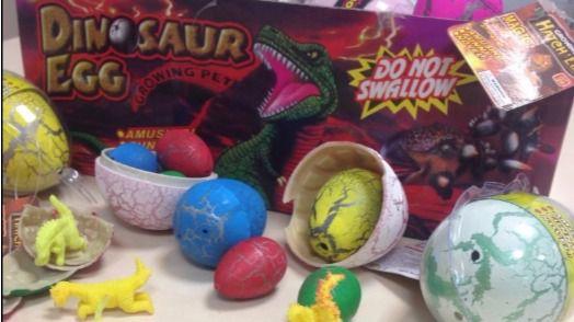 La Policía retira más de 40 juguetes infantiles en Latina por peligro de asfixia