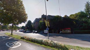 Muy grave tras chocar con una señal de tráfico en Las Rozas