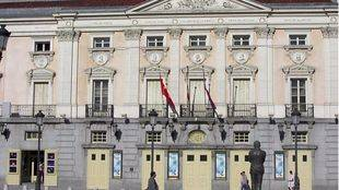 El Ayuntamiento no privatizará los teatros y los hará