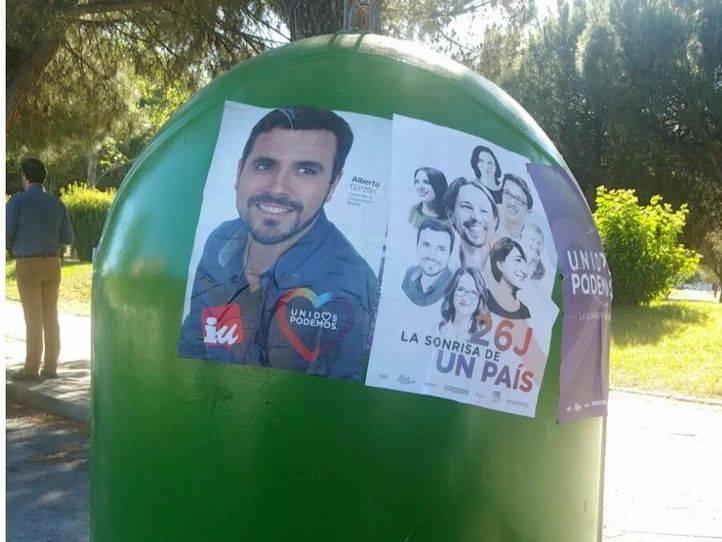 La Junta Electoral ordena la retirada de carteles de Unidos Podemos colocados en lugares no autorizados en Alcorcón