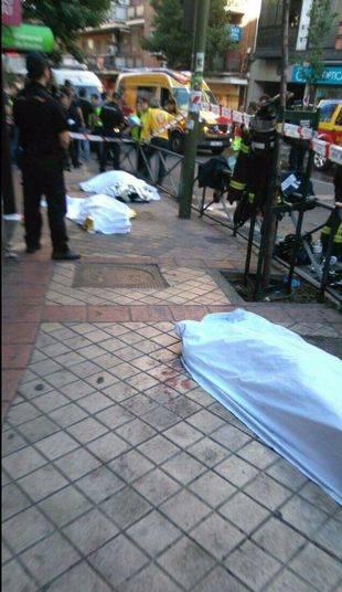 Hallan tres cadáveres con signos de violencia tras un fuego en un bufete
