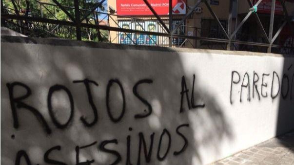 Atacan las sedes de Equo y el Partido Comunista