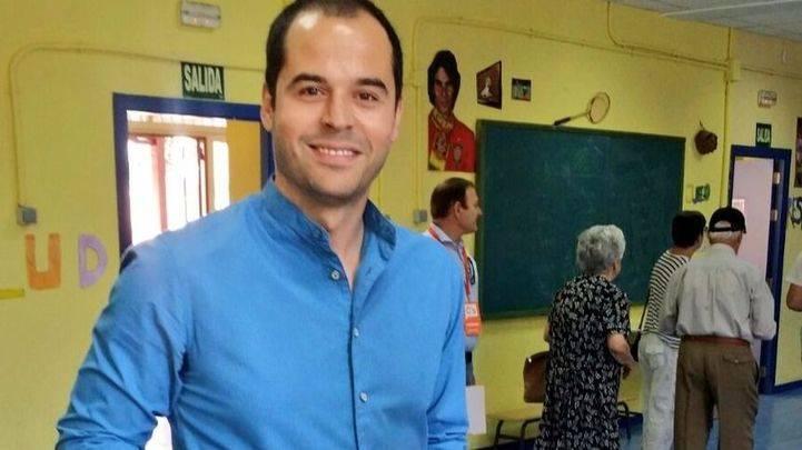 Ignacio Aguado, en el colegio electoral