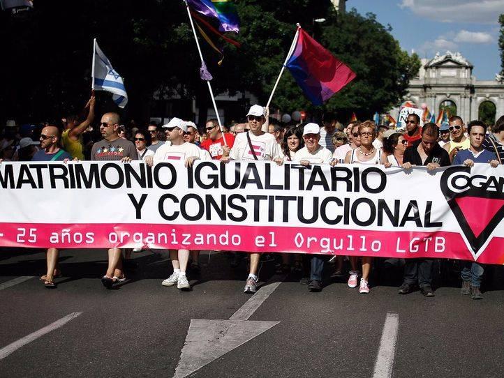 Cifuentes pide a los organizadores del Orgullo que rectifiquen y la inviten como presidenta del PP