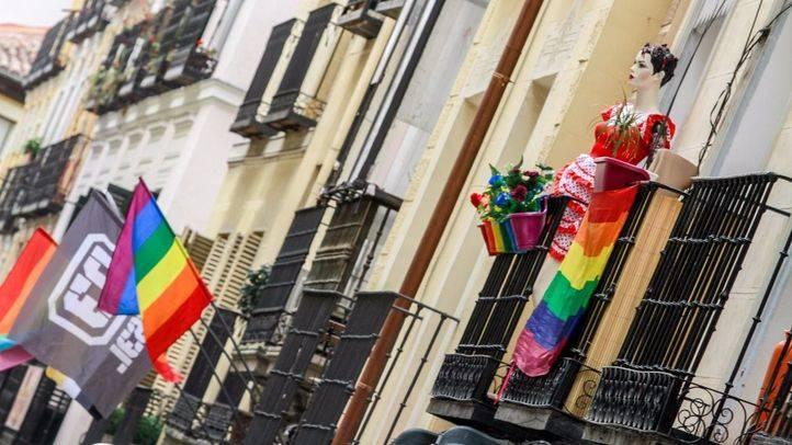 Un año más el barrio de Chueca se prepara para celebrar el Orgullo Gay.