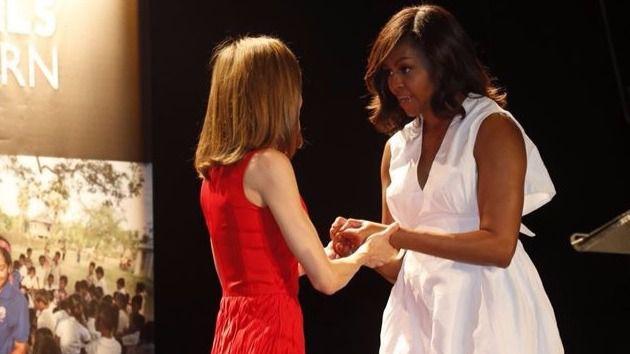 La Reina Letizia y Michelle Obama en el Matadero de Madrid