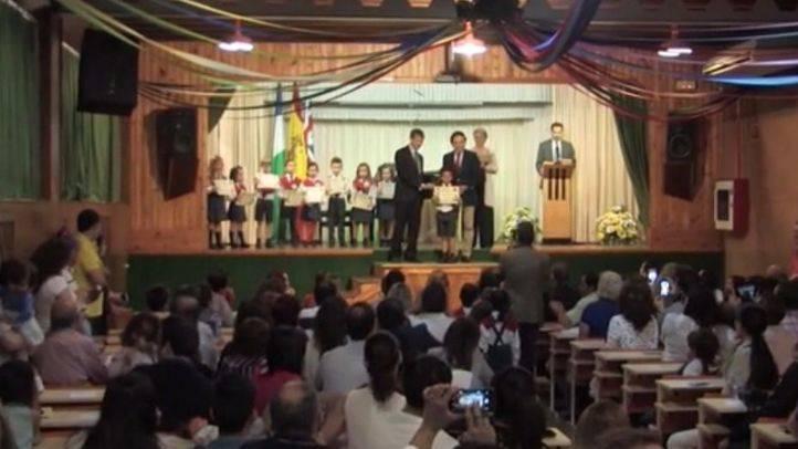 Los alumnos del Colegio Montfort han celebrado una graduaci�n muy especial