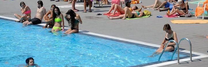 El Ayuntamiento autoriza la celebración de un 'Día sin bañador' en las piscinas municipales