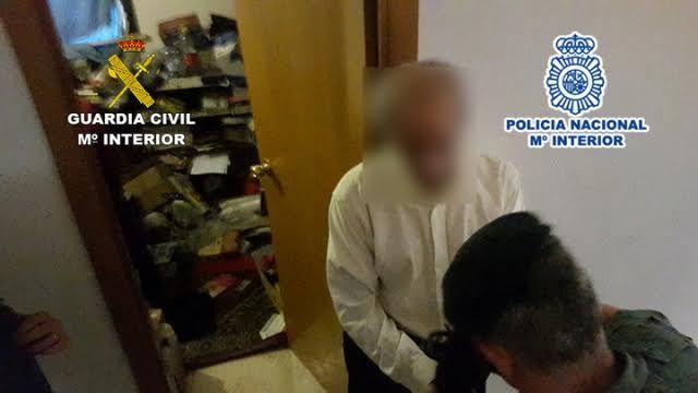 Liberan en Rivas a un joven de 19 años encerrado en casa durante dos años