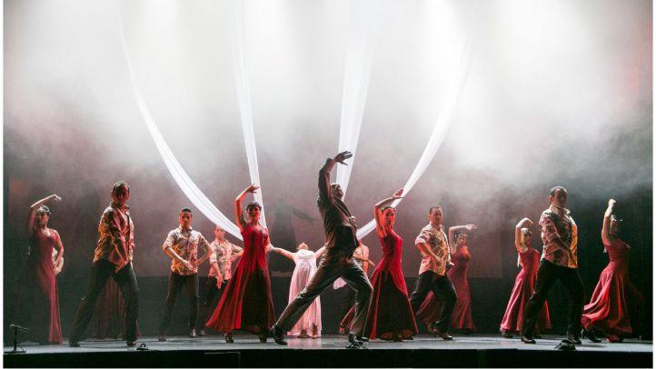 El Ballet Flamenco de Madrid, que dirige Luciano Ruiz, interpretando una versión flamenca de 'Carmina Burana' en el teatro Nuevo Apolo.