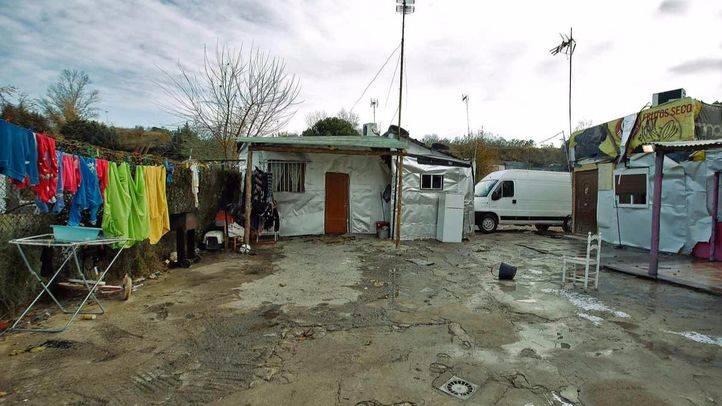 La Comunidad estudia un nuevo convenio para el realojo de las familias chabolistas de Las Sabinas