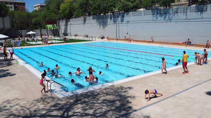 El 'Día del bañador opcional' llegará el 24 de julio a una piscina municipal de Arganzuela