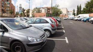 El Ayuntamiento aumenta y encarece la primera fase de su plan de aparcamientos disuasorios