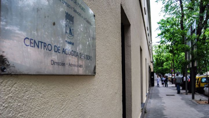 El Centro San Isidro para personas sin hogar, en situación crítica: tres operarios para atender a 268 usuarios