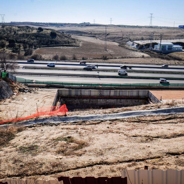 Obras del tren de cercanías a Navalcarnero a su paso por Fuenlabrada.