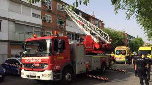 Una mujer de 66 años resulta intoxicada tras el incendio de su casa en Alcalá de Henares