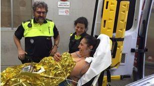La Polic�a Municipal asiste a una mujer que dio a luz a su segundo hijo en plena calle