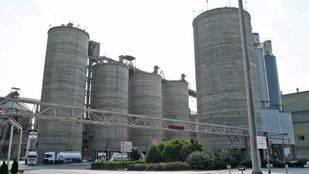 Fabrica de cementos de Morata de Taju�a  (archivo)