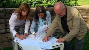 Firma del acuerdo de gobierno entre Alpedrete Puede, UnPA y PSOE