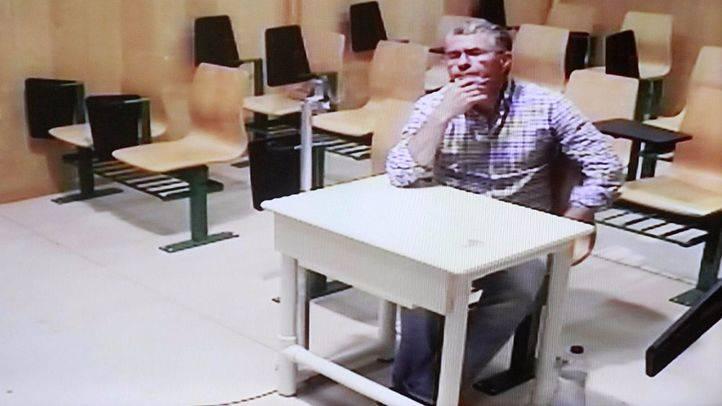 Granados se sentará en el banquillo por el 'chivatazo' de un guardia civil