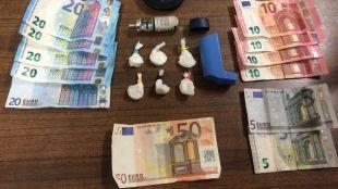 Detenida una mujer en Malasaña que ocultaba la droga que vendía en un inhalador