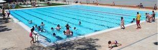 Ciudad Lineal se queda sin piscina de verano tras el incendio en el polideportivo de la Concepción
