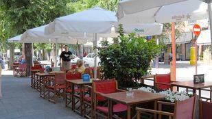 La Comunidad permitirá a los hosteleros abrir las terrazas desde las 8 horas