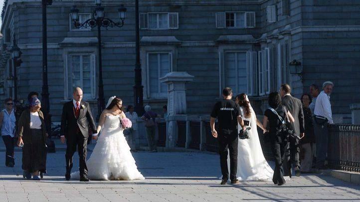 Se dan más divorcios que bodas ante notario en España